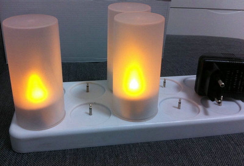 เทียน LED แบบชาร์จได้ 12 อัน พร้อมแท่นชาร์จ