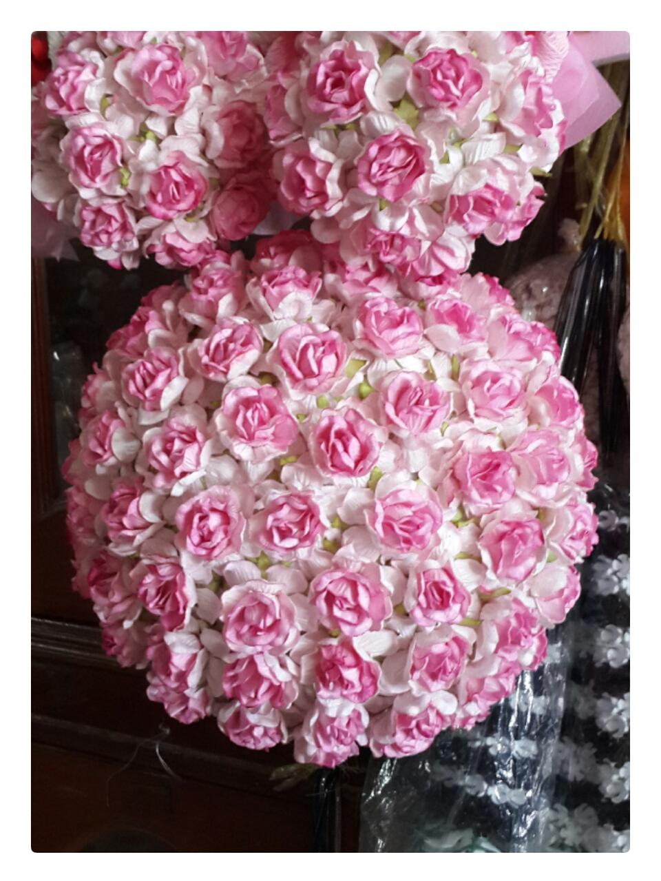 Flower Ball (ลูกบอลดอกไม้ผ้า สีชมพูอ่อน)