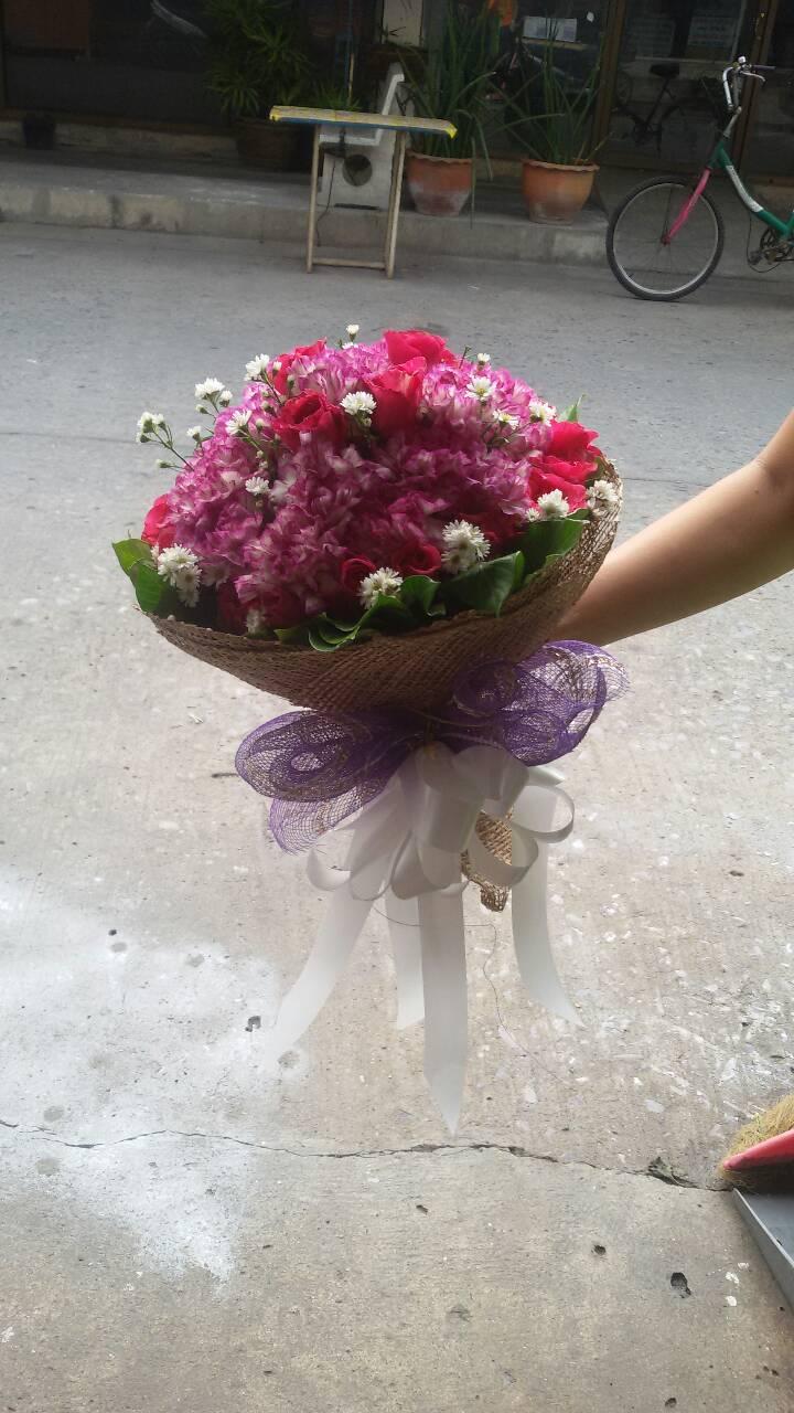 ช่อดอกไม้สด