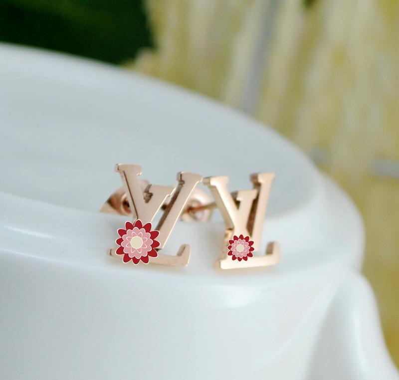 LV Logo earring