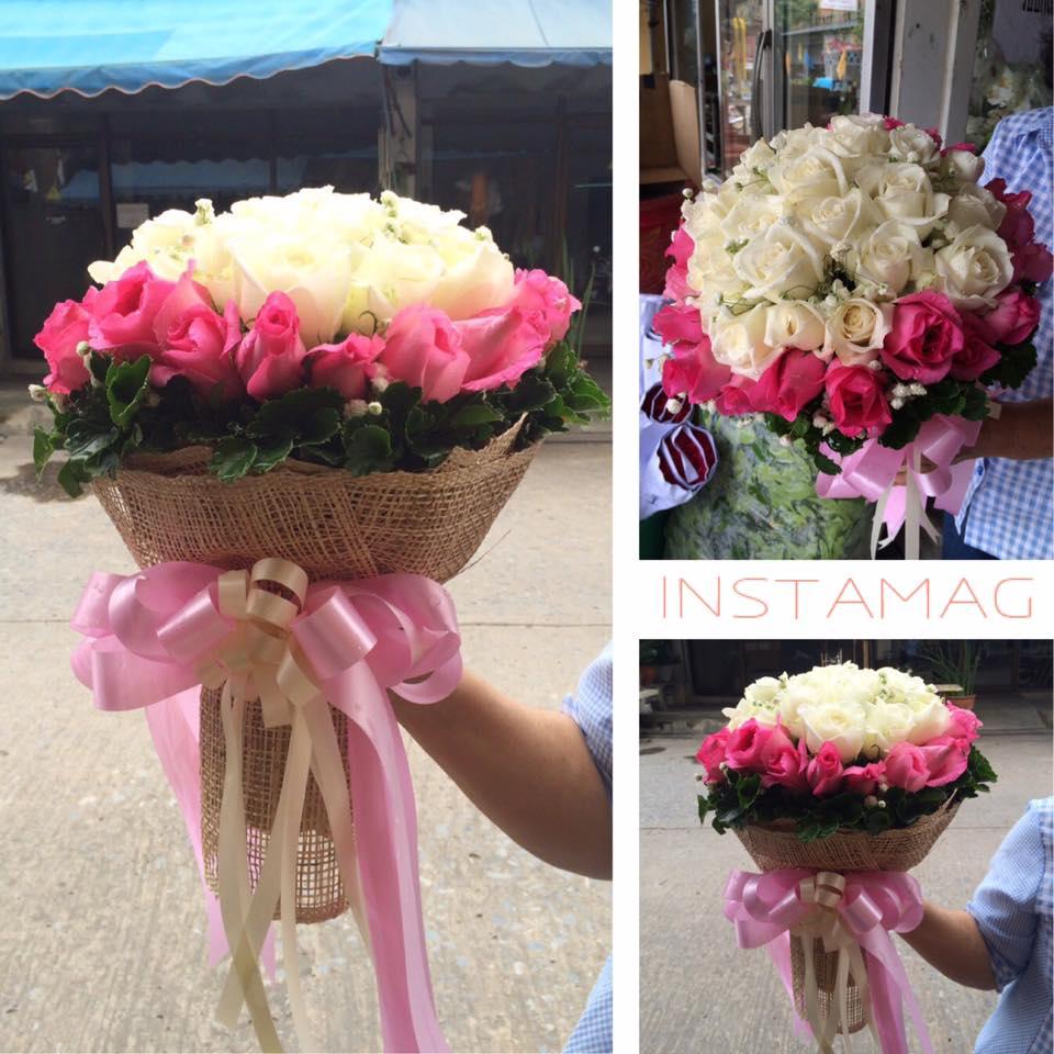 ช่อดอกกุหลาบสีขาวชมพู