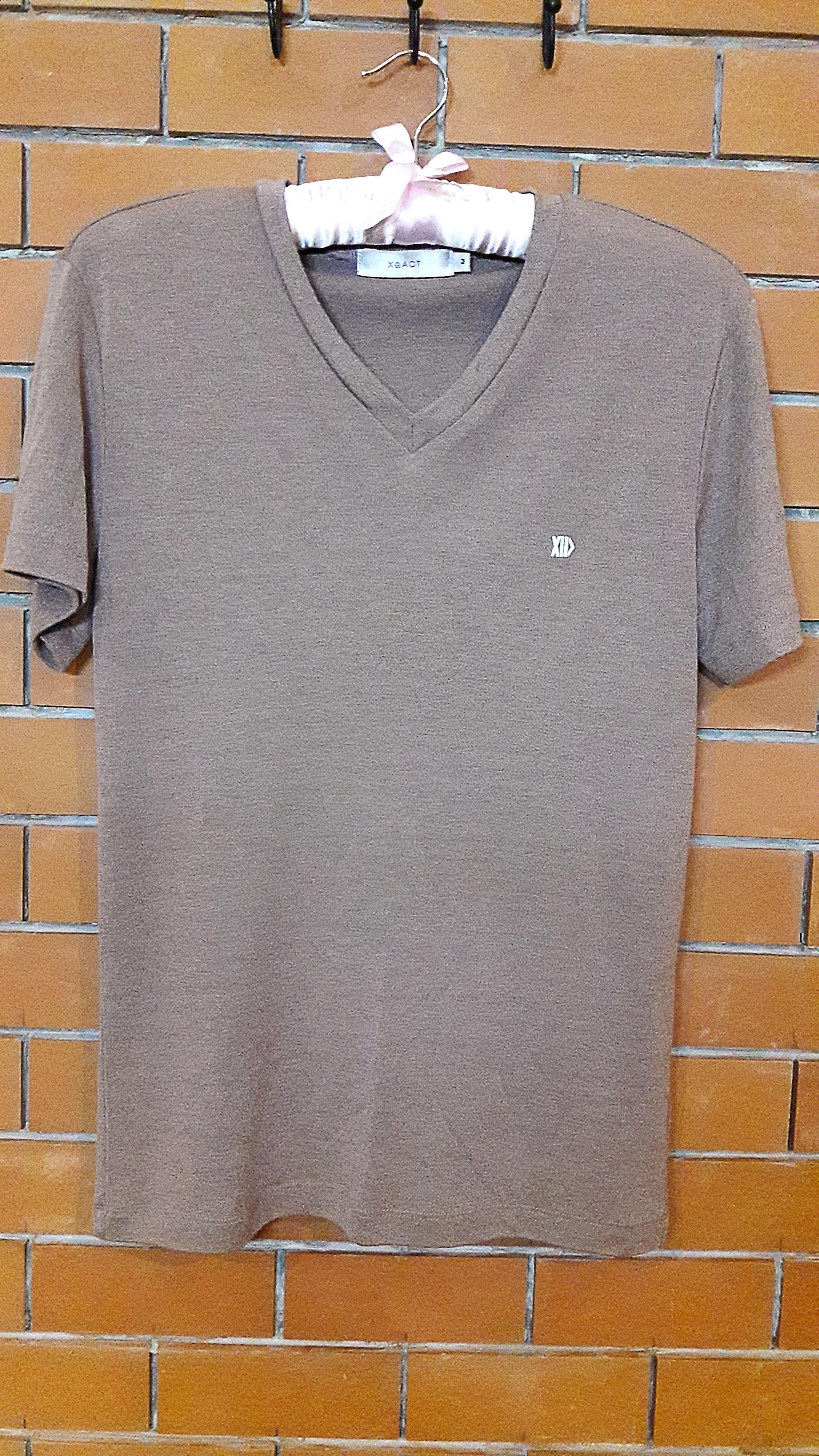 S044 เสื้อผ้ายืดสีน้ำตาล (มือ2 สภาพดี)