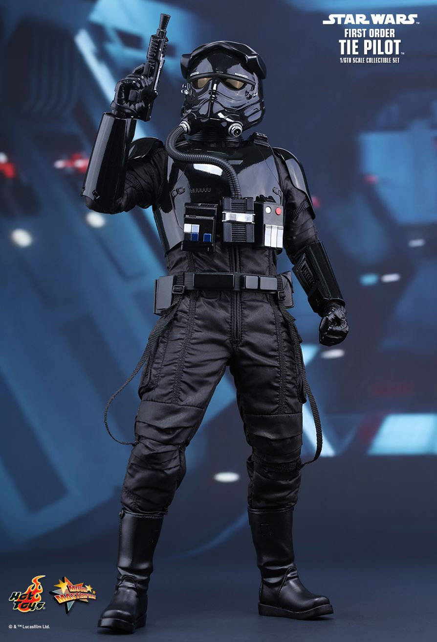 Hot Toys MMS324 STAR WARS: THE FORCE AWAKENS FIRST ORDER TIE PILOT