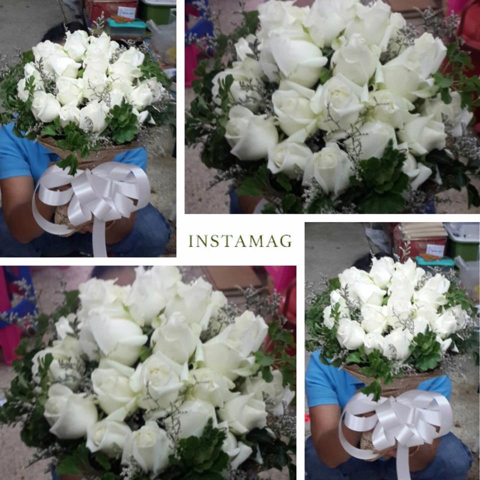 ช่อดอกกุหลาบสีขาว