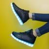 รองเท้ามีไฟ รองเท้า LED หุ้มข้อ สีดำ เปลี่ยนสีได้ 11 สี สินค้าพรีออเดอร์