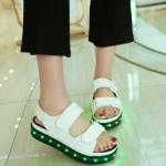 รองเท้ามีไฟ รองเท้า LED รองเท้าแตะมีไฟ สีขาว สินค้าพรีออเดอร์