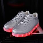 รองเท้ามีไฟ รองเท้า LED สีเงิน เปลี่ยนสีได้ 11 สี สินค้าพรีออเดอร์