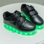 รองเท้ามีไฟ รองเท้า LED สีดำ แบบไม่มีเชือกผูกรองเท้า เปลี่ยนสีได้ 11 สี สินค้าพรีออเดอร์