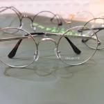 แว่นตากรอบแว่นทรงกลมวินเทจสีเงิน