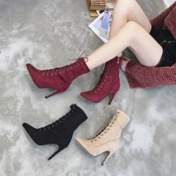 [มีหลายสี] รองเท้าบูทสั้นผู้หญิง หัวแหลมส้นสูง ร้อยเชือกด้านหน้า วัสดุหนังไมโครไฟเบอร์ ซิปด้านใน ทรงสวย แฟชั่นสไตล์อังกฤษ ส้นสูงประมาณ 2 นิ้ว