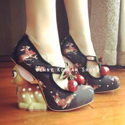 [มีหลายสี] รองเท้าส้นสูงแฟชั่น ประดับผลไม้ ส้นรองเท้าแต่งรูปสัตว์ดีไซน์สุดเก๋ สไตล์เจ้าหญิง