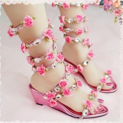 รองเท้าส้นสูง หัวปลา เปิดส้น แฟชั่นหนังpu ประดับเพชร ดีไซน์แต่งดอกไม้สีชมพู พันรอบขา สวยหรู สไตล์โรมัน