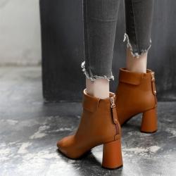 [มี2สี] รองเท้าบูทสั้นผู้หญิงส้นสูง ทรงมาร์ติน ทำจากหนังไมโครไฟเบอร์ ขนบุด้านใน พับข้อ ซิปด้านหลัง ทรงสวย แฟชั่นสไตล์ยุโรป