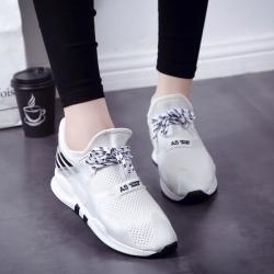 [มี2สี] รองเท้าหนัง pu ผสมไมโครไฟเบอร์ ทรงรองเท้าผ้าใบ ระบายอากาศ ผูกเชือกด้านหน้า เสริมส้นเล็กน้อย สวย สไตล์เกาหลี