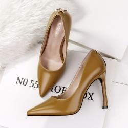 [มีหลายสี] รองเท้าคัทชูส้นสูง แฟชั่นหนัง pu ทรงสวย ส้นสูง 4 นิ้ว