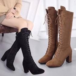 [มี2สี] รองเท้าบูทยาวผู้หญิงส้นสูง ส้นใหญ่ หนังนิ่ม ร้อยเชือกด้านหน้า ซิปด้านใน สวย แฟชั่นสไตล์อังกฤษ