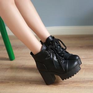 [มีหลายสี] รองเท้าบูทสั้นส้นสูงผู้หญิง ทรงมาร์ติน แฟชั่นหนังpu ผูกเชือก สวยน่ารัก สไตล์เกาหลี ส้นสูง 3.5 นิ้ว / แพลตฟอร์มสูง 1.5 นิ้ว