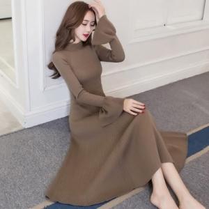 [มี2สี] เดรสไหมพรมยาว คอเต่า ผ้ายืด ปลายแขนบาน สวยหวานสไตล์เกาหลี