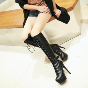 [มีหลายสี] รองเท้าบูทยาว ส้นสูง บูทผู้หญิงมาร์ติน แฟชั่นหนังpu แต่งเข็มขัด ร้อยเชือกด้านหน้า มีรุ่นธรรมดา และรุ่นกำมะหยี่