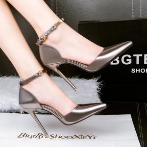 [มีหลายสี] รองเท้าคัทชูหัวแหลม ส้นสูง แฟชั่นหนังแท้ หนังแก้ว แต่งหัวเข็มขัดรัดข้อ ส้นสูง 4 นิ้ว