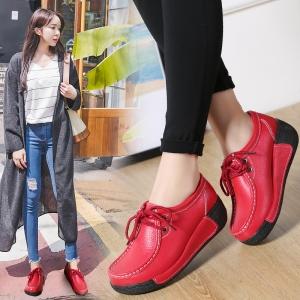 [มีหลายสี] รองเท้าบูทผู้หญิง พื้นหนา งานหนังแท้ พื้นนิ่ม ทรงสุขภาพ สวยแฟชั่นสไตล์ย้อนยุค
