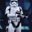 Hot Toys MMS317 STAR WARS: THE FORCE AWAKENS - FIRST ORDER STORMTROOPER thumbnail 5