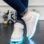 รองเท้ามีไฟ รองเท้า LED หุ้มข้อ สีขาว เปลี่ยนสีได้ 11 สี สินค้าพรีออเดอร์ thumbnail 1