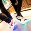 รองเท้ามีไฟ รองเท้า LED สีขาว มีแถบสีแดง เปลี่ยนสีได้ 11 สี สินค้าพรีออเดอร์ thumbnail 6