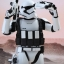 Hot Toys MMS333 STAR WARS: THE FORCE AWAKENS - FIRST ORDER STORMTROOPER (JAKKU EXCLUSIVE) thumbnail 5