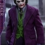 Hot Toys QS010 THE DARK KNIGHT - 1/4 THE JOKER thumbnail 9