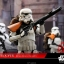 Hot Toys MMS392 ROGUE ONE: A STAR WARS STORY - STORMTROOPER JEDHA PATROL (TK-14057) thumbnail 3