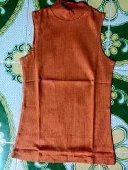 S071 เสื้อคอปีน แขนกุด สีส้ม