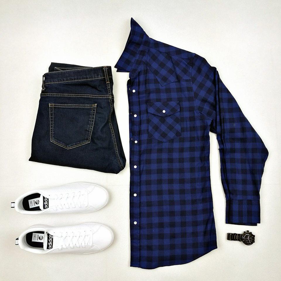 เสื้อลายสก๊อตสีน้ำเงิน